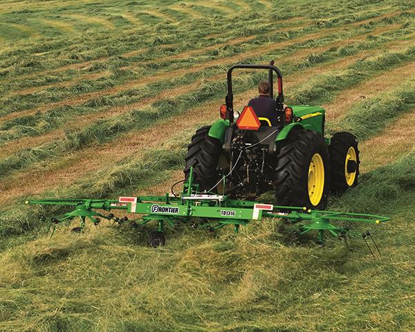 John Deere TD1316 Tedder implement